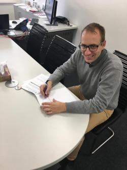Podpis smlouvy s jednm z pjemc voucheru